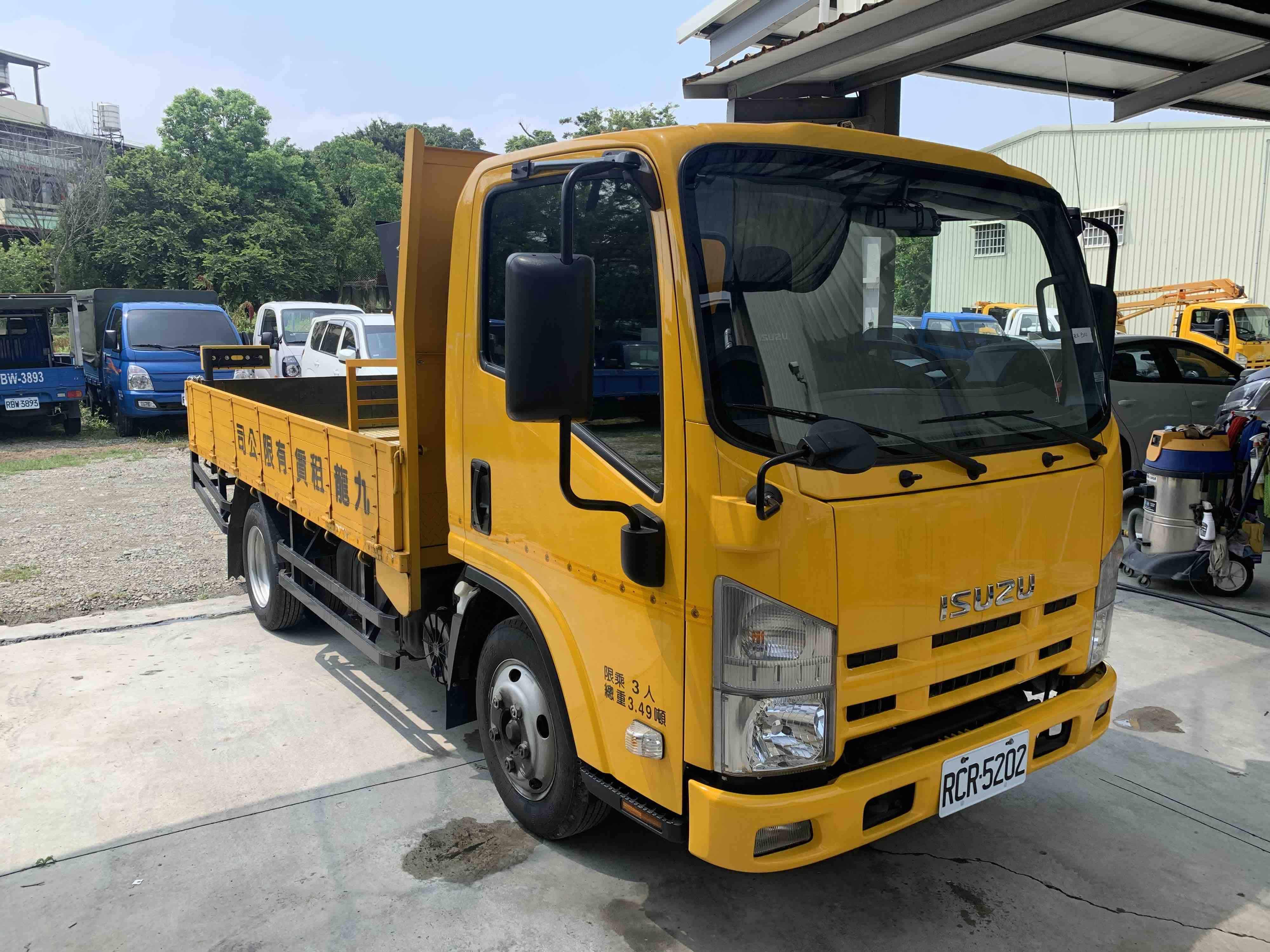 ISUZU 3.5噸 11呎 黃色高速公路工程作業車附加LED – 自排