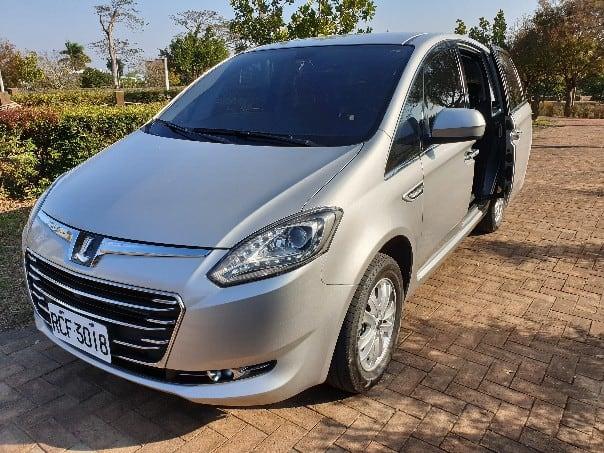 Car_Rental_Luxgen_M7_(1)