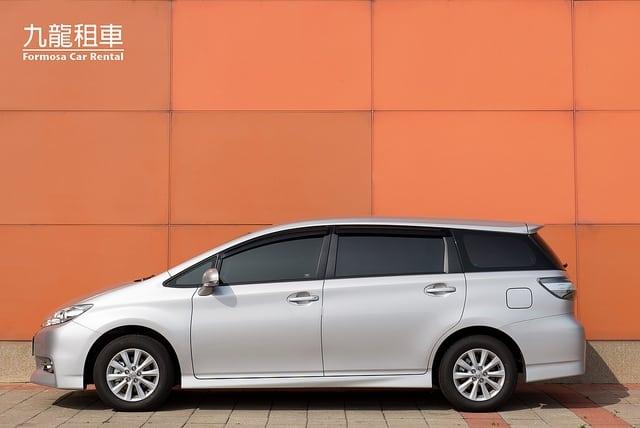 Toyota_Wish(1)