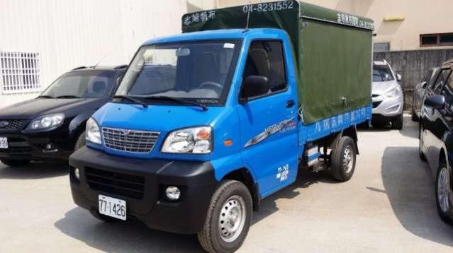 Mitsubishi 菱利 1.3 7.5呎 篷式貨車