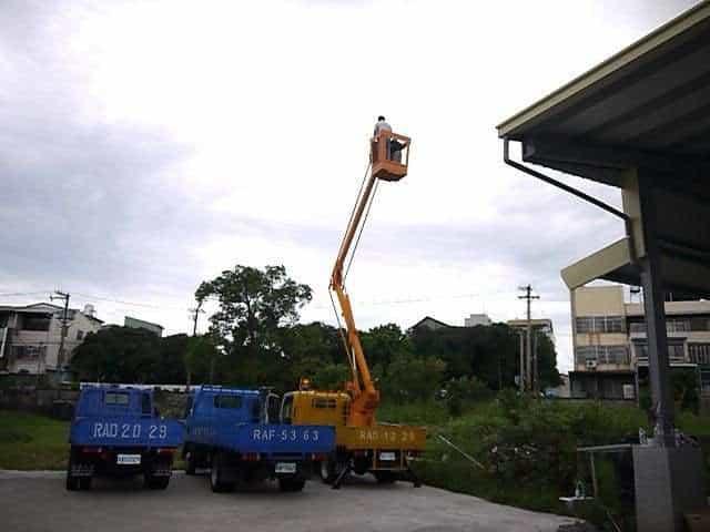 Isuzu 一路發 3.5噸 高空作業車